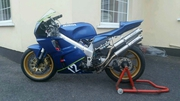 Honda rvf400 nc35 race bike